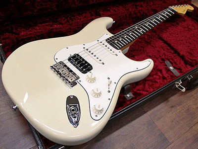 Fender Custom Shop Team Built Classic Player Stratocaster Olympic Whiteのサムネイル