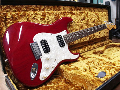 Fender USA American Deluxe Stratocaster Special Editionのサムネイル