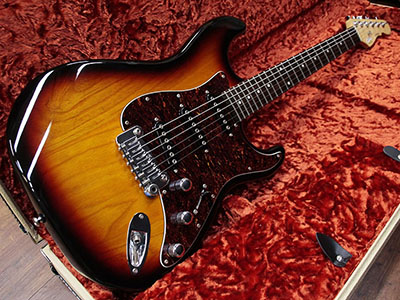 G&L Tribute S-500のサムネイル