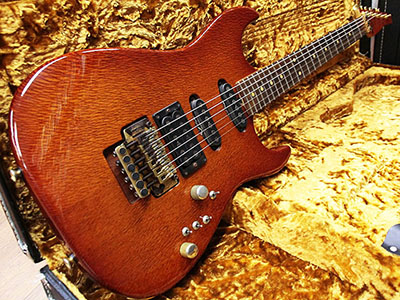 Tom Anderson Grand AM Lacewood Honey Burst のサムネイル