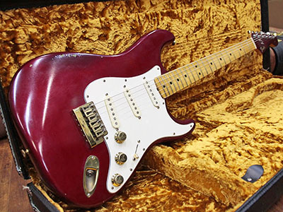 Fender USA The Strat Candy Apple Redのサムネイル