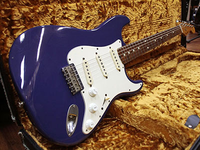 Fender Custom Shop Robert Cray Stratocaster Violetのサムネイル
