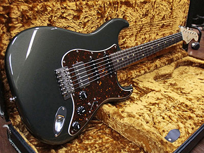 Freedom Custom Guitar Research Stratocaster Typeのサムネイル