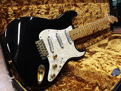 Seymour Duncan Stratocaster Type Black Yubi Sound Labのサムネイル