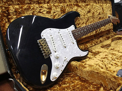 Schecter Stratocaster Type Trans Blackのサムネイル