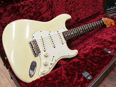 Fender Custom Shop Master Built 1972 Stratocaster Heavy Relic Olympic White by Dale Wilsonのサムネイル