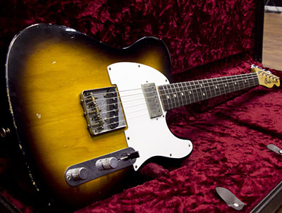 Fender Custom Shop Limited Esquire Relic with Fender '69 Telecaster Neck Convertion Faded 3 Tone Suのサムネイル