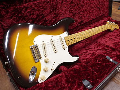 Fender Custom Shop Limited Edition 1956 Stratocaster Relic 2TS by Master Builder Apprentice Paul Waのサムネイル