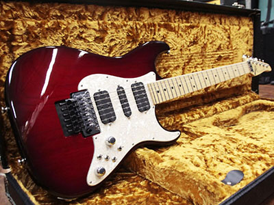 Tom Anderson Classic Trans Red to Dark Red Burstのサムネイル
