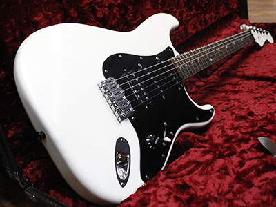 NO BRAND Jake E Lee Stratocaster Type Whiteのサムネイル