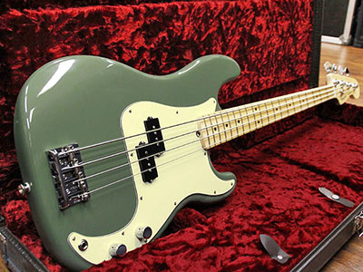 Fender USA American Professional Precision Bass Antique Oliveのサムネイル