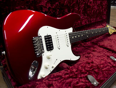 Suhr Classic Pro SSH Candy Apple Red 2015のサムネイル