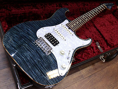 Suhr Standard Trans Blueのサムネイル